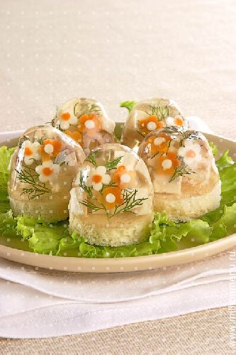 закуска из помидоров на зиму: салат лесная.